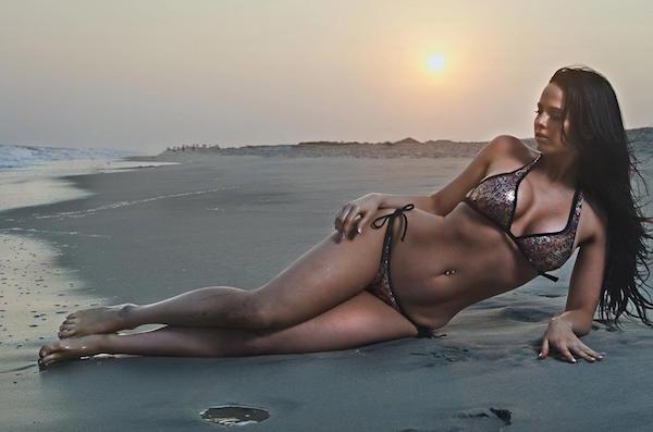 bikini justine moore