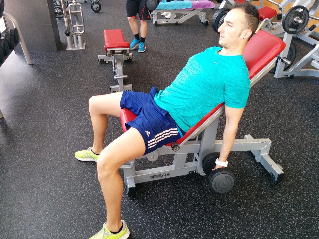 Curl de Bíceps Supino banco 30º