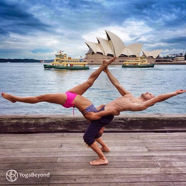 pareja yoga