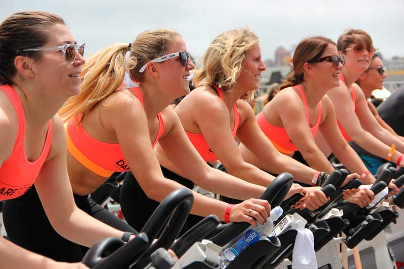 beneficios-del-spinning-chicas