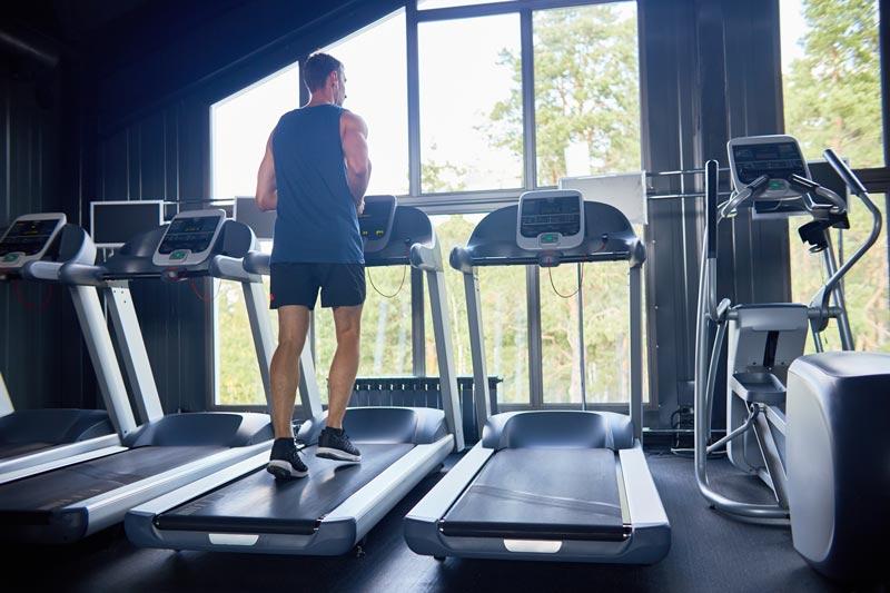 Cómo entrenar la velocidad en cinta de correr