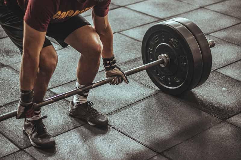 como-motivarse-hacer-ejercicio-cada-dia-pesas