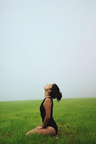 como-quitar-la-ansiedad-de-comer-meditacion-yoga-taichi