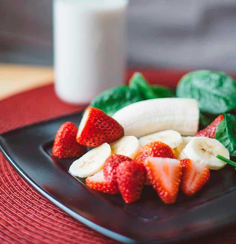 dieta-verano-adelgazar-rapido-platano-fresa