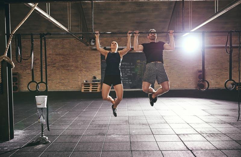 cómo empezar en el gimnasio dominadas