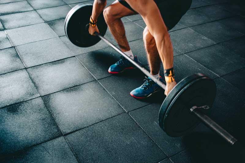 ejercicios-de-lumbares-peso-muerto