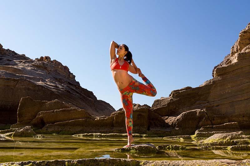 ejercicios-para-eliminar-caretucheras-chica-fitness