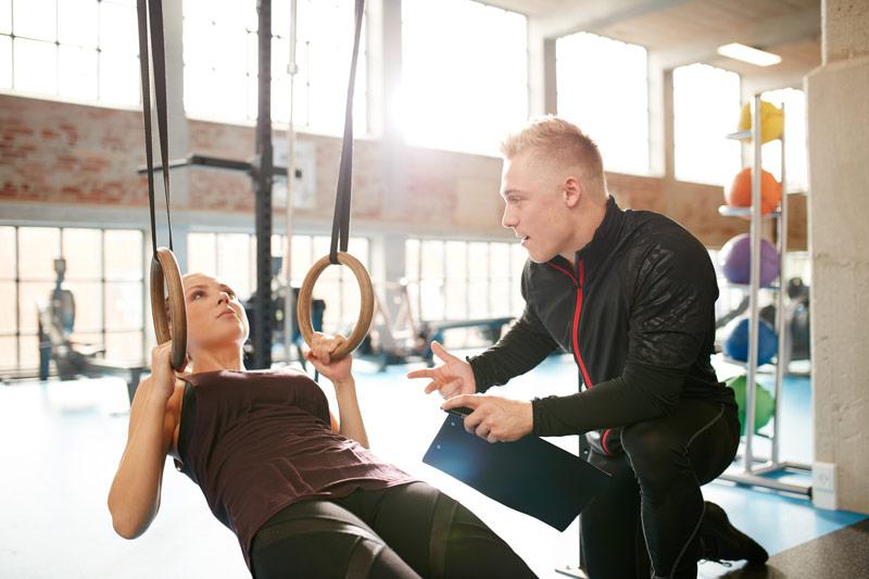 Cómo empezar en el gimnasio entrenador personal