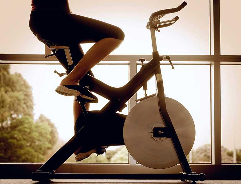 spinning para principiantes bicicleta de gimnasio