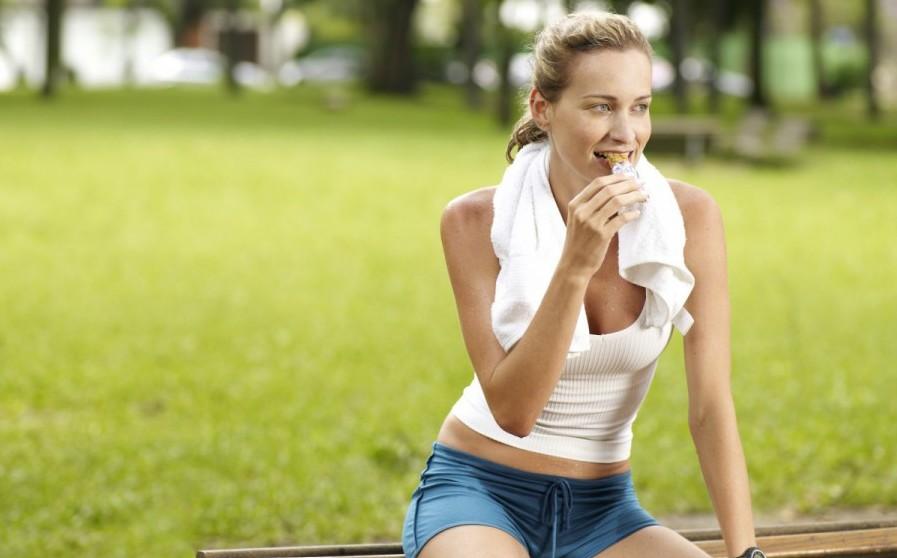 comer poco al entrenar por la mañana