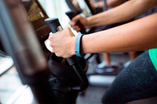 bicicleta-estatica-musculos-que-trabaja