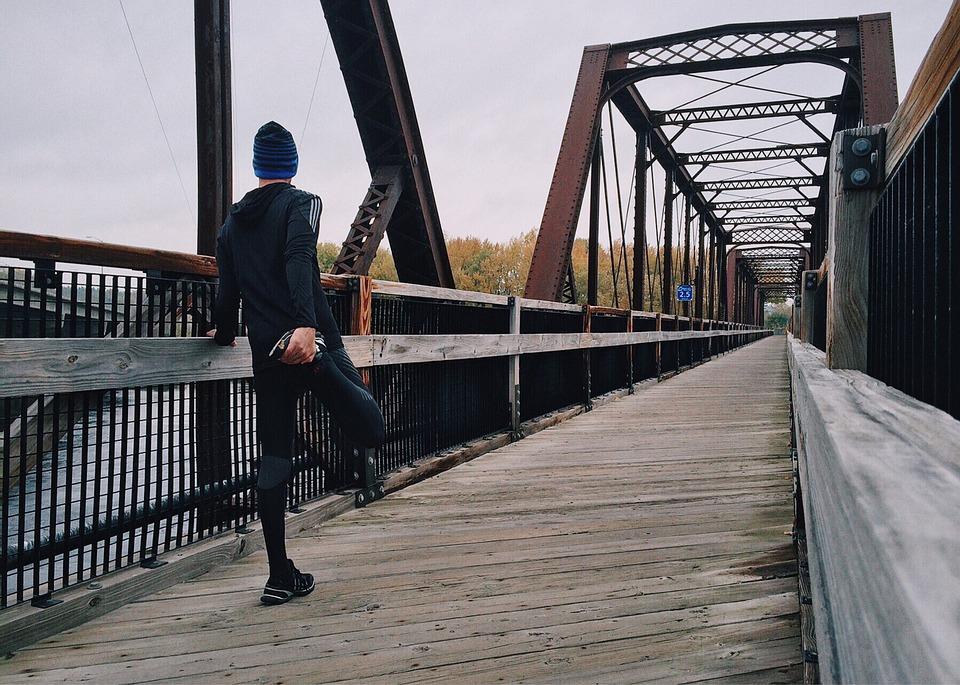 Es importante estirar antes y después de hacer ejercicio