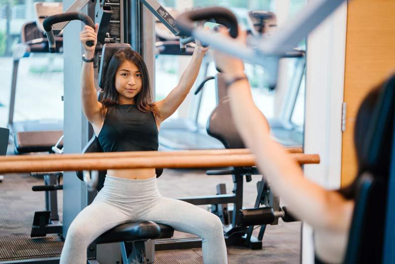 rutina-semanal-de-gimnasio-chicas-superior