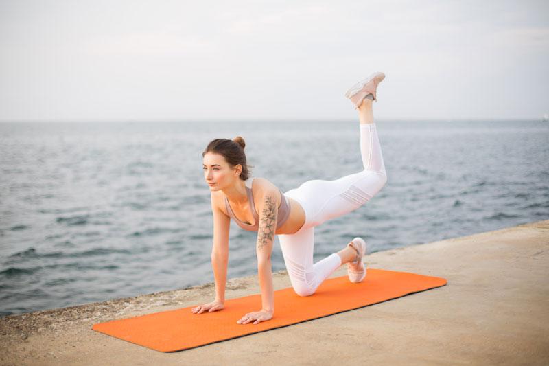 ejercicios-adelgazar-muslos-extension-pierna